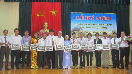Xã Hương Ngải ra mắt cuốn lịch sử giáo dục xã