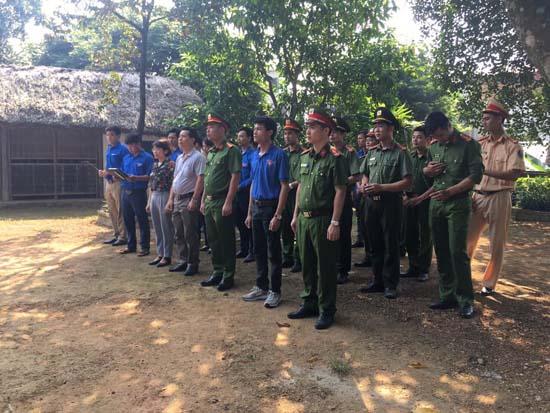 Huyện đoàn Thạch Thất: Hưởng ứng hành trình Tuổi trẻ Việt Nam nhớ lời Di chúc theo chân Bác
