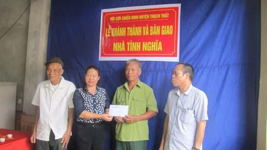 Hội Cựu chiến binh huyện khánh thành, bàn giao nhà tình nghĩa cho hội viên Bùi Văn Bình, thôn Chi Quan 2, thị trấn Liên Quan