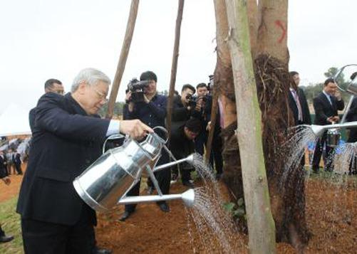 Tổng Bí thư Nguyễn Phú Trọng tham dự Tết trồng cây tại Khu Công nghệ cao Hòa Lạc