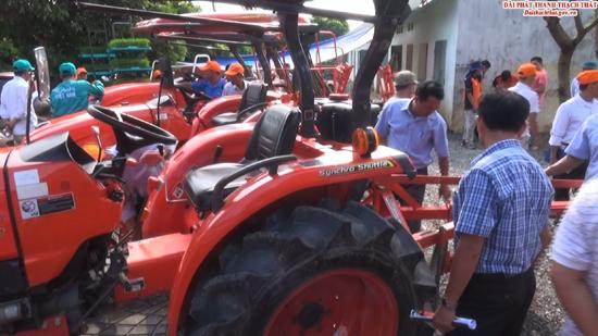 Hội nghị tham quan, giới thiệu máy máy kéo L3218 – L4018 phục vụ sản xuất nông nghiệp