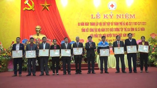 Lễ kỷ niệm 60 năm ngày thành lập Hội Chữ thập đỏ thành phố Hà Nội (23/11/1957-23/11/2017) tổng kết công tác Hội năm 2017 và  biểu dương tập thể, gia đình, cá nhân hiến máu tiêu biểu huyện Thạch Thất giai đoạn 2015 – 2017