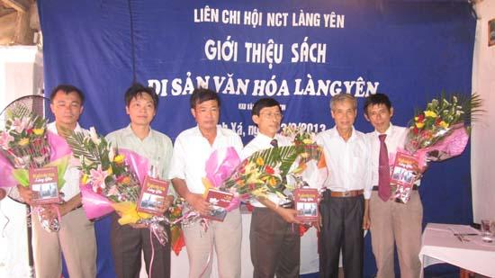 Giới thiệu sách di sản văn hóa làng Yên- xã Thạch Xá- huyện Thạch Thất.