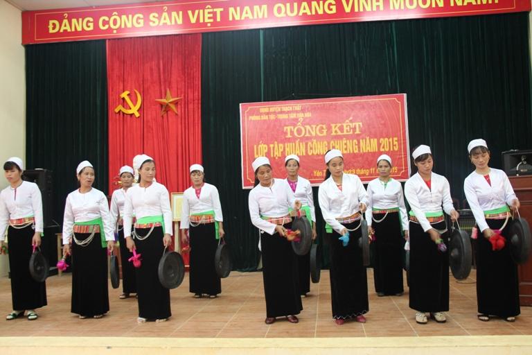 Tổng kết lớp tập huấn nghệ thuật cồng chiêng huyện Thạch Thất năm 2015
