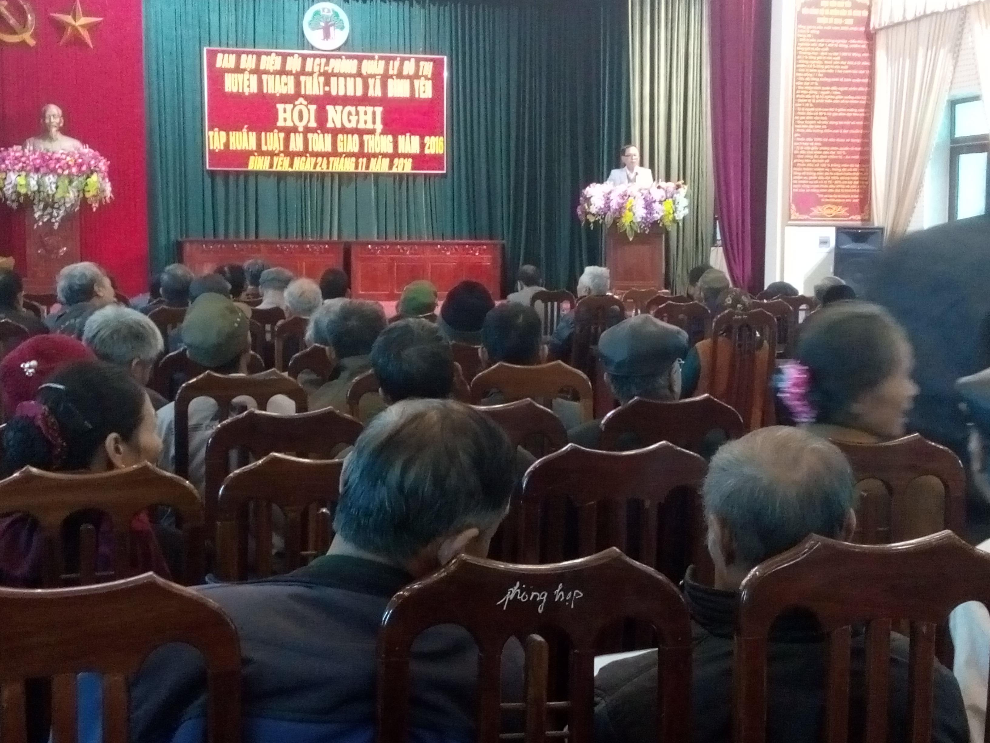 Hội Người cao tuổi huyện Thạch Thất tổ chức tập huấn Luật an toàn giao thông đường bộ.