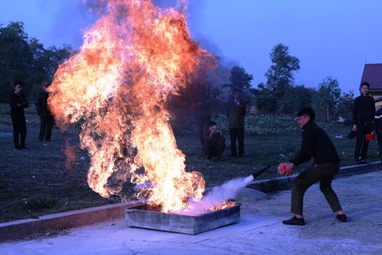Thạch Thất tổ chức tập huấn nghiệp vụ phòng cháy chữa cháy