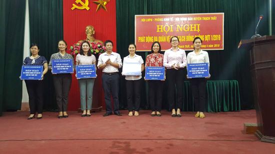 Hội LHPN huyện Thạch tổ chức Lễ phát động ra quân vệ sinh sạch đồng ruộng đợt 1 năm 2019