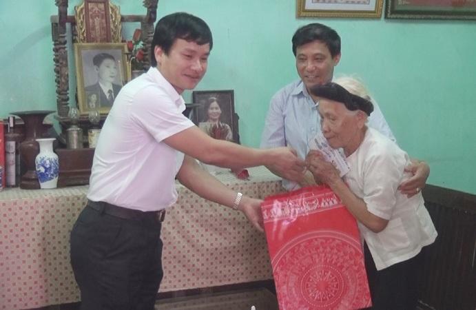 Huyện Thạch Thất thực hiện tốt chính sách đối với người có công.