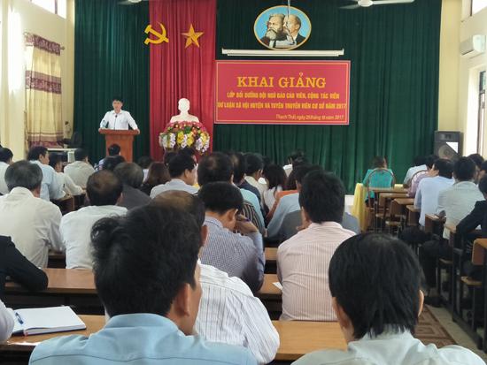 Thạch Thất khai giảng lớp bồi dưỡng đội ngũ báo cáo viên, cộng tác viên dư luận xã hội