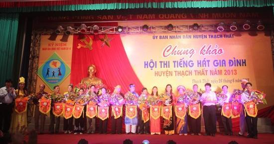 Chung khảo hội thi tiếng hát gia đình huyện Thạch Thất năm 2013.