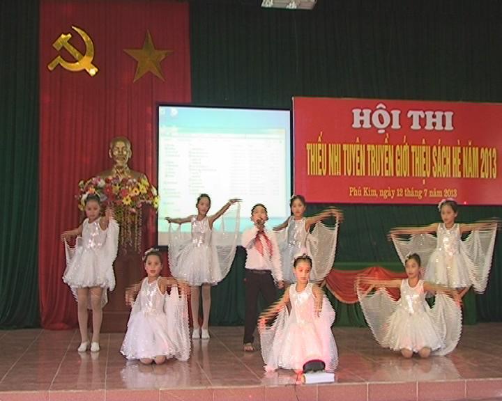 Hội thi thiếu nhi tuyên truyền giới thiệu sách hè cụm thi số 1 tại xã Phú Kim- huyện Thạch Thất