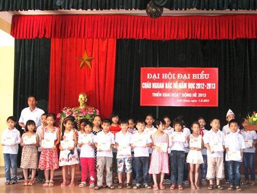 Đại hội Cháu ngoan Bác Hồ thị trấn Liên Quan năm học 2012 - 2013