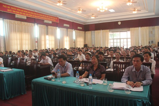 Hội nghị triển khai công tác rà soát hộ nghèo, hộ cận nghèo năm 2012