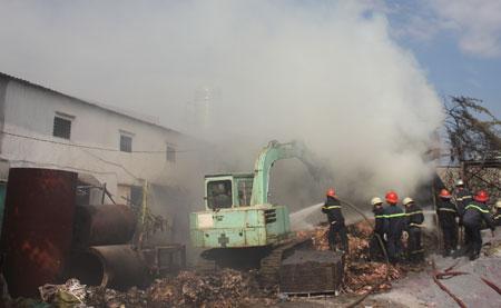 Cháy xưởng thiệt hại trên 100 triệu đồng.