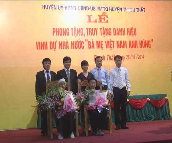 Lễ phong tặng, truy tặng danh hiệu vinh dự Nhà nước Bà mẹ Việt nam anh hùng.