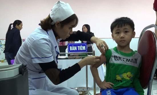Thạch Thất: Triển khai tiêm bổ sung vắc xin sởi-rubella cho gần 19.500 trẻ