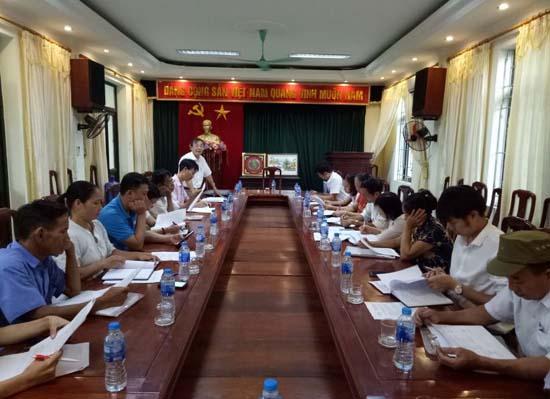 Kiểm tra công tác vay vốn tại xã Hạ Bằng