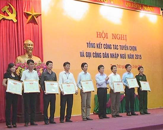 Huyện Thạch Thất tổng kết công tác tuyển chọn và gọi công dân nhập ngũ năm 2015.