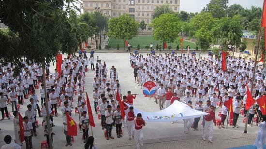 Lễ xuất quân đội tuyển bóng đá tham dự chung kết giải bóng đá học sinh THPT